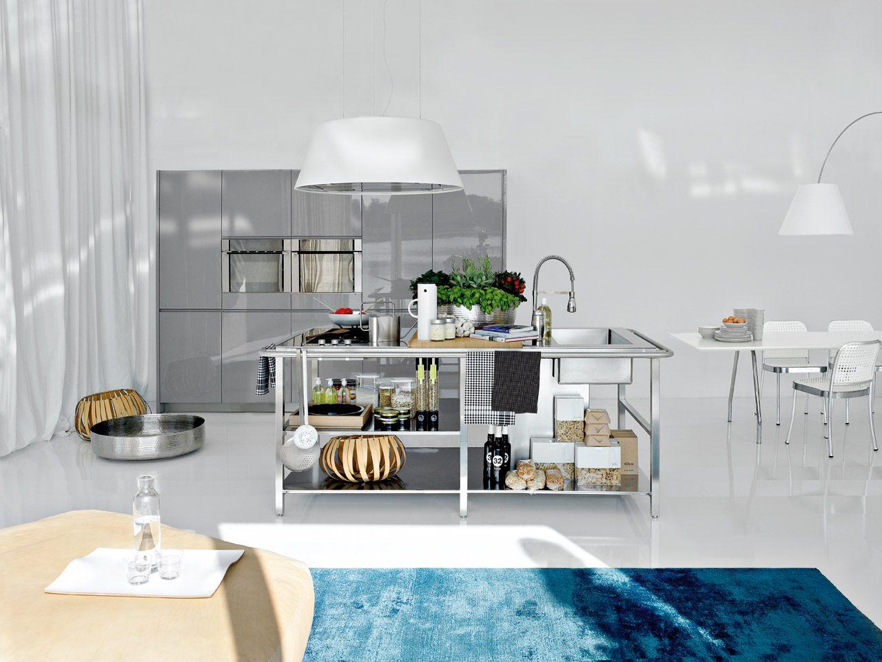Colores para una cocina moderna de acero inoxidable Articulos de cocina de acero inoxidable