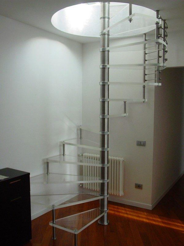 Escaleras modernas de caracol im genes y fotos - Fotos de escaleras modernas ...