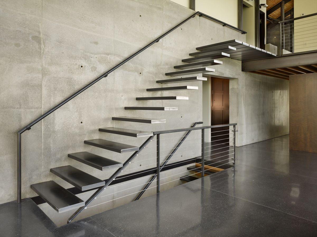 Escaleras modernas para casas im genes y fotos for Imagenes escaleras modernas