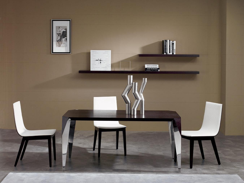 Mesas y sillas de sal n en blanco y negro im genes y fotos for Sillas para salon