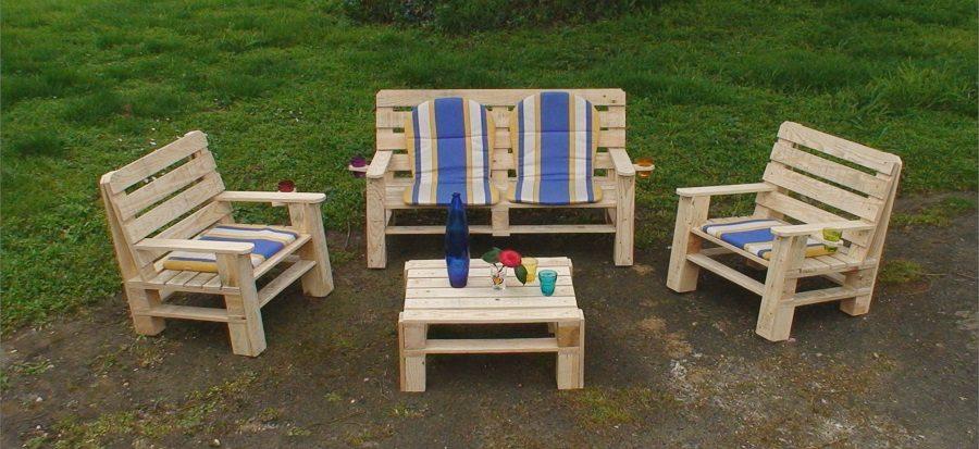 Por qu debemos colocar muebles en el jard n for Colocar adoquines en jardin