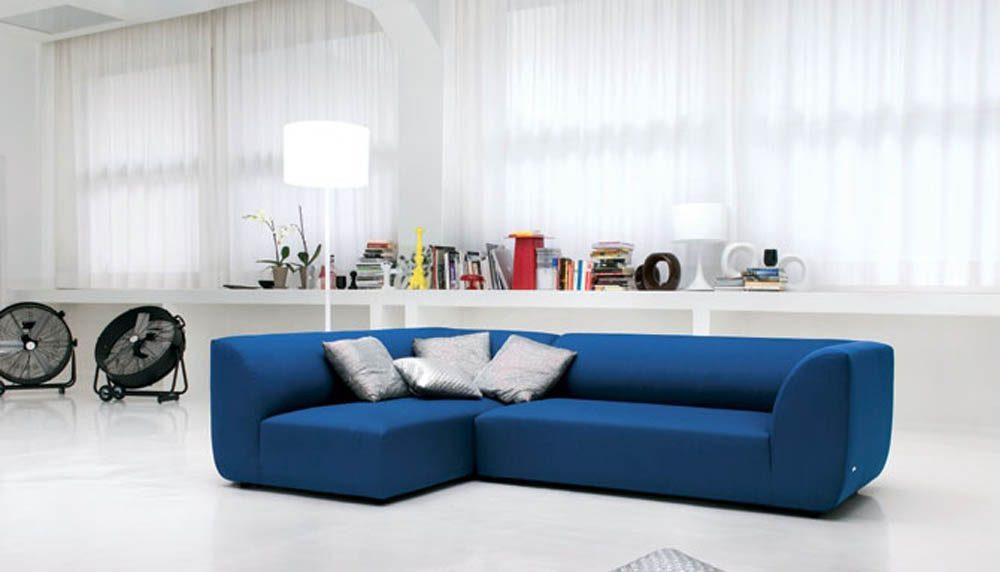Sof moderno azul im genes y fotos for Sofas modernos y comodos
